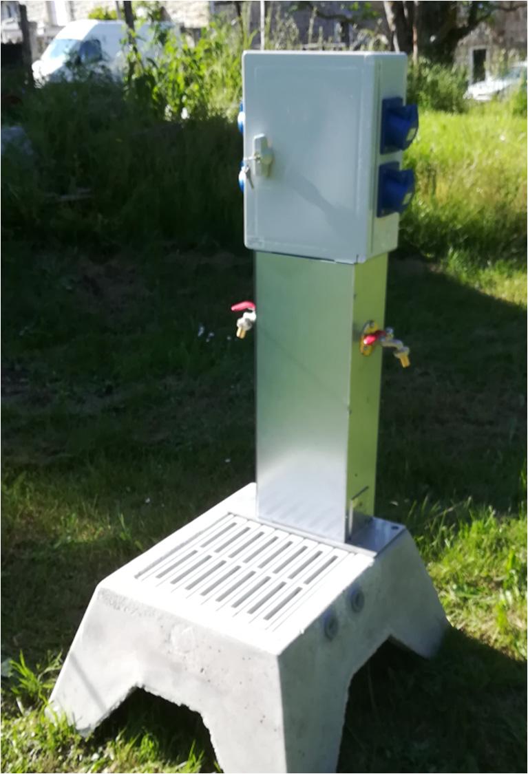 Borne de distribution 4 prises et 2 robinets avec support galvanisé et receveur LC4P2R
